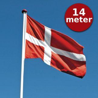 Thyholm Flagstænger 14m_Dannebrog på blå himmel