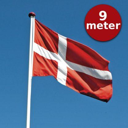 Thyholm Flagstænger 9m_Dannebrog på blå himmel